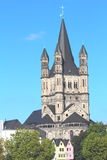 Grande St Martin Church na água de Colônia Alemanha Imagem de Stock