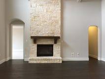 Grande stanza di famiglia piacevole in una nuova casa Fotografia Stock