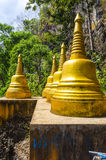 Grande statua del mortaio (stupa) nel panteon fotografia stock