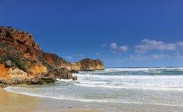 Grande strada dell'oceano - spiaggia ed onde Fotografia Stock Libera da Diritti