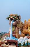 Grande tête de statue de dragon, Supanburi, Thaïlande Images stock