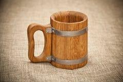 Grande tasse en bois Image libre de droits