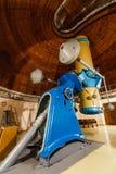 Grande telescópio ótico do troféu velho foto de stock royalty free