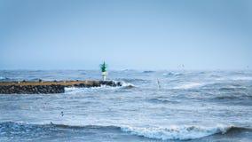 Grande tempête sur un port Image stock