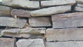 Grande texture irrégulière de mur en pierre Photos libres de droits