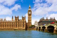 Grande torre di Ben London Clock in Tamigi BRITANNICO Fotografia Stock Libera da Diritti