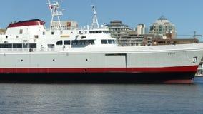 Grande traghetto che galleggia, Victoria, BC archivi video