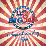 Grande vendita - offerta di festa dell'indipendenza, quarta dell'insegna di commercio di luglio Fotografia Stock
