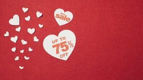 Grande vente au-dessus du fond rouge Jour du `s de Valentine clips vidéos
