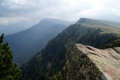 Grande vista della montagna della dolomia e del prato/verso sud del Tirolo verdi in Italia Immagini Stock