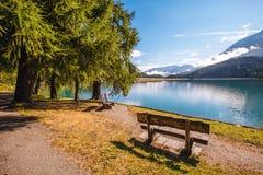 Grande vista dello stagno azzurrato Champfer Alpi svizzere di posizione, Silv Immagini Stock Libere da Diritti