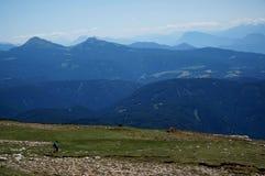 Grande vista panoramica del paesaggio della montagna della dolomia/prato di verde Fotografia Stock Libera da Diritti