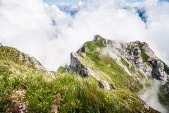 Grande vista vaga maestosa del paesaggio delle alpi svizzere naturali dal picco di Pilatus del supporto Vista strabiliante della  Immagini Stock Libere da Diritti