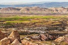 Grande vue sur la vallée d'amour de la forteresse d'Uchisar Image stock