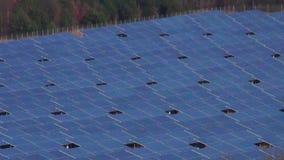 Grande zumbido industrial da disposição do painel solar para fora filme