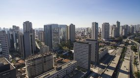 Grandes avenidas, journalista Roberto Marinho da avenida, Sao Paulo Brazil fotografia de stock royalty free