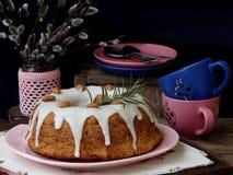 Grandes bolo e galhos do salgueiro Imagem de Stock Royalty Free