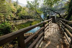 Grandes cachoeiras de Una em MArtin Brod, em Bósnia e em Herzegovina fotografia de stock