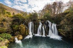 Grandes cachoeiras de Una em MArtin Brod, em Bósnia e em Herzegovina fotografia de stock royalty free