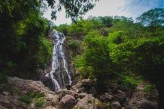 Grandes cascades à écriture ligne par ligne Images stock