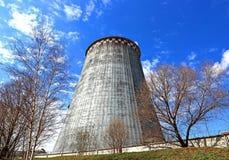 Grandes cheminées d'usine Images libres de droits
