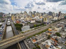 Grandes cidades, grandes avenidas, casas e construções Distrito claro Bairro a Dinamarca Luz, Sao Paulo Brazil, trilho e subw fotografia de stock