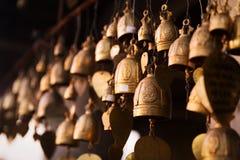 Grandes cloches célèbres de souhait de Bouddha, Thaïlande photographie stock libre de droits