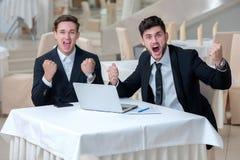 Grandes emociones del negocio Trabajo hecho pozo Fotografía de archivo libre de regalías