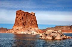 Grandes et petites roches sur le lac Powell Photo stock