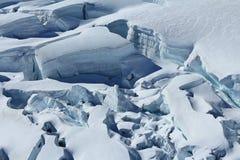 Grandes fissuras e seracs na geleira de Aletsch Imagens de Stock
