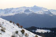 Grandes fotos de montanhas nevado Imagem de Stock