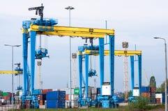 Grandes guindastes do porto imagens de stock royalty free