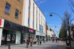 Grandes lojas na rua Southport Merseyside da capela Fotos de Stock