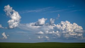 Grandes nuvens de cúmulo sobre o Palouse Imagens de Stock