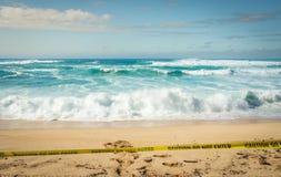 Grandes ondas em uma praia havaiana fechado Imagens de Stock Royalty Free