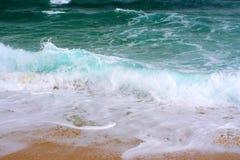 Grandes ondes en Grèce Photographie stock