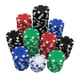 Grandes pilhas de microplaquetas do casino isoladas no branco Foto de Stock