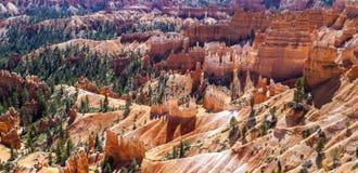 Grandes pináculos cinzelados afastado pela erosão Fotos de Stock Royalty Free
