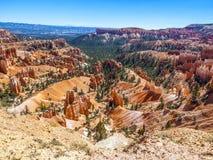 Grandes pináculos cinzelados afastado pela erosão Foto de Stock Royalty Free