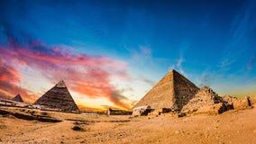 Grandes pirámides de Giza fotos de archivo