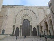 Grandes portes dans la mosquée de Hassan II Images libres de droits