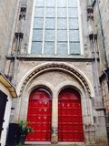 Grandes portes rouges Photographie stock libre de droits