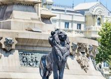 Grandes statues de lion à Barcelone, Espagne Photo libre de droits