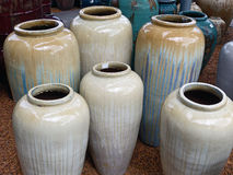 Grandes urnes en céramique Photos libres de droits