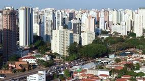 Grandes villes au jour, ville de Sao Paulo, Brésil banque de vidéos