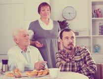 Grandfather teaches grandson Royalty Free Stock Photos