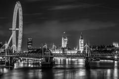 Grandi Ben Clock Tower e sede del parlamento immagini stock libere da diritti