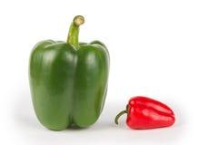Grandi e piccoli peperoni Immagini Stock