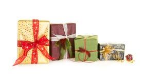 Grandi e piccoli regali di Natale Fotografie Stock Libere da Diritti