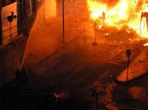 Grandi fiamme sul quadrato Immagini Stock Libere da Diritti